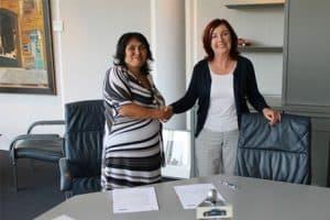 Ondertekening contract Alpha-Nederland en SR training
